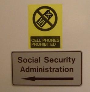Türschild der Social Security Administration