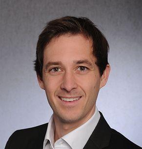 Dr. Nils Becker