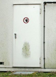 Sicherheitstüre: Security und Safety